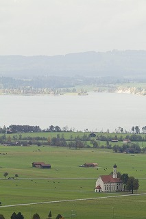 9433227ノイシュヴァンシュタイン城から望む風景 by SHIN.jpg